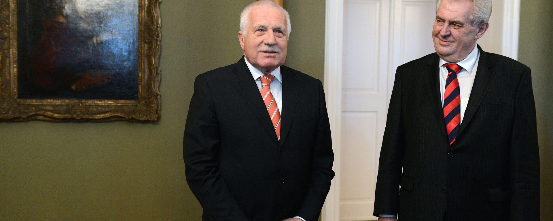 Бывший президент Чехии Вацлав Клаус и нынешний президент Чехии Милош Земан - Sputnik Česká republika, 1920, 18.06.2021
