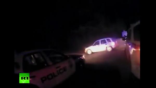 Bylo zveřejněno video, jak američtí policisté zastřelili šestiletého chlapce - Sputnik Česká republika