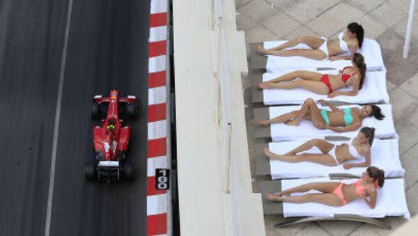Formule 1 to nejsou jen kola a poháry, ale určitě i krásné dívky. - Sputnik Česká republika