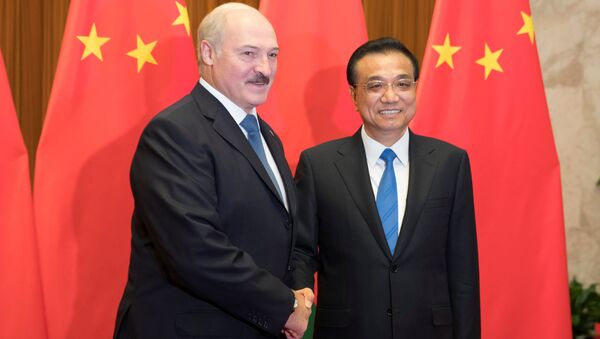 Alexandr Lukašenko a Li Kche-čchiang během návštěvy Číny - Sputnik Česká republika