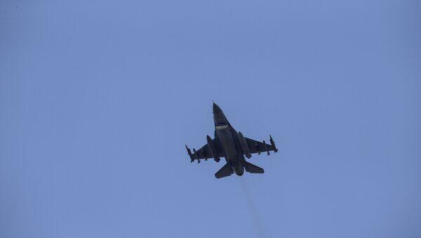 Turecké útočné letadlo - Sputnik Česká republika