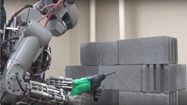 Rogozin představil na lety do vesmíru robota Federa - Sputnik Česká republika