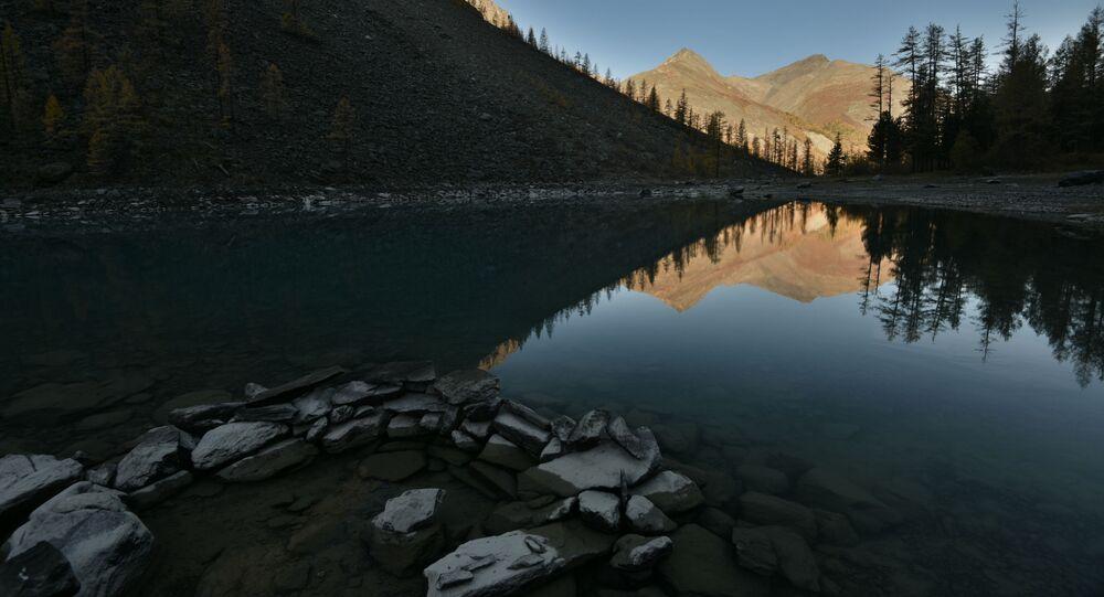 Jezero. Ilustrační foto