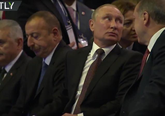 Putin se účastní Světového energetického kongresu v Istanbulu