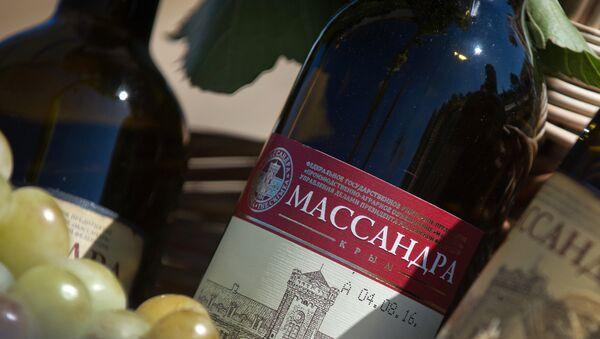 Výrobek vinařské společnosti Massandra - Sputnik Česká republika