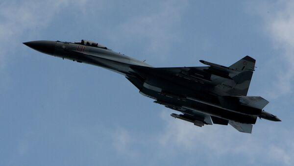 Su-35S letí nad Přímořským krajem - Sputnik Česká republika