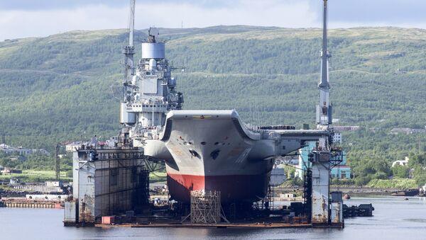 "Der schwere Flugzeugträger ""Admiral Kusnezow"" der Nordflotte - Sputnik Česká republika"