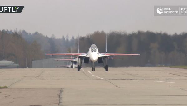 Letecká skupina Ruští vítězové dostala nové stíhačky - Sputnik Česká republika