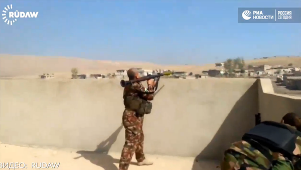 Útok na Mosul: boj Kurdů s teroristy IS v Chaziru - Sputnik Česká republika