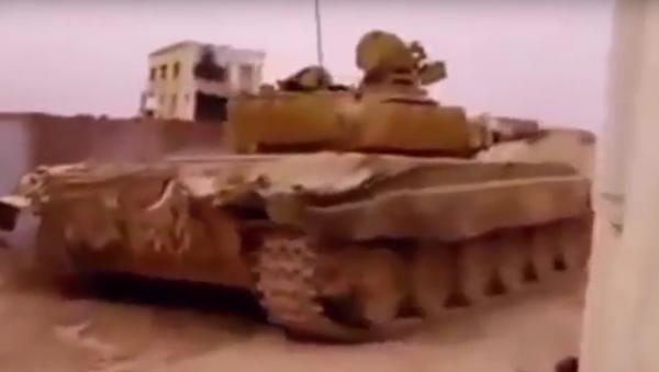 Syrský tank se dvakrát vyhnul raketám TOW - Sputnik Česká republika