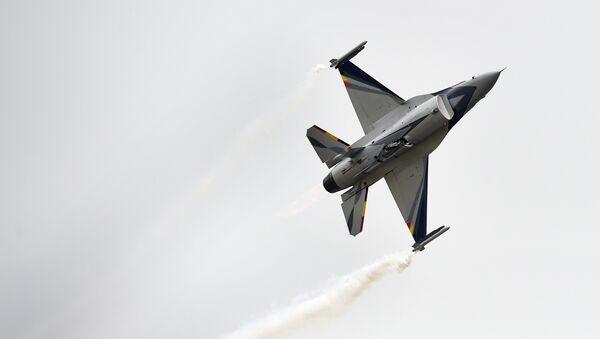 Belgická stíhačka F-16 - Sputnik Česká republika