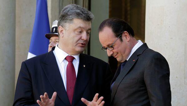 Ukrajinsky prezident Petro Porošenko a francouzský prezident Francois Hollande - Sputnik Česká republika