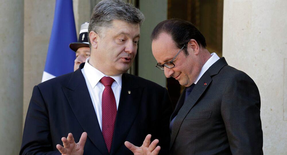 Ukrajinsky prezident Petro Porošenko a francouzský prezident Francois Hollande