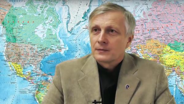 Politolog Pjakin odpovídá na otázky - Sputnik Česká republika
