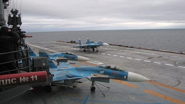 Stíhačky Su-27K na palubě lodi Admirál Kuzněcov - Sputnik Česká republika