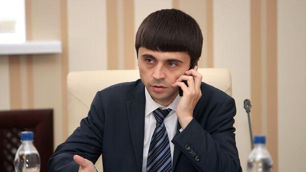 Ruslan Balbek při jednání - Sputnik Česká republika