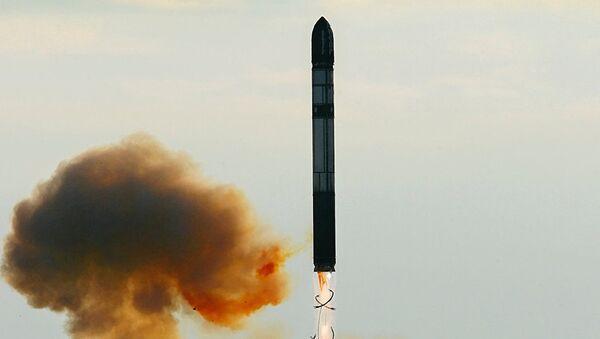 Ruská těžká mezikontinentální balistická raketa RS-28 Sarmat - Sputnik Česká republika