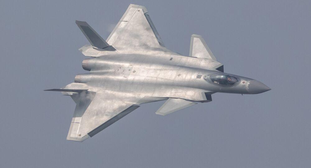 Čínská stíhačka J-20