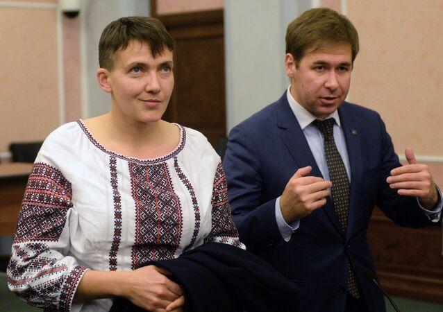 Savčenková a advokát Ilja Novikov během zasedání Nejvyššího soudu Ruska