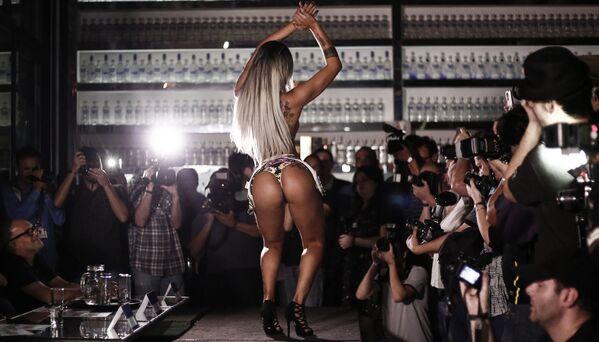 Účastnice soutěže Miss Bumbum Brazil 2016 v São Paulu - Sputnik Česká republika
