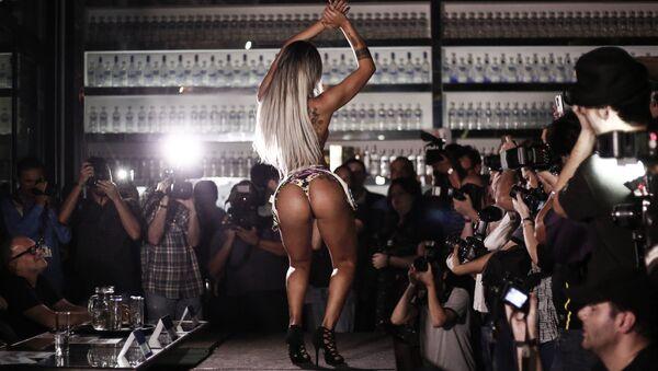 Účastnice soutěže Miss Bum Bum. Ilustrační foto - Sputnik Česká republika
