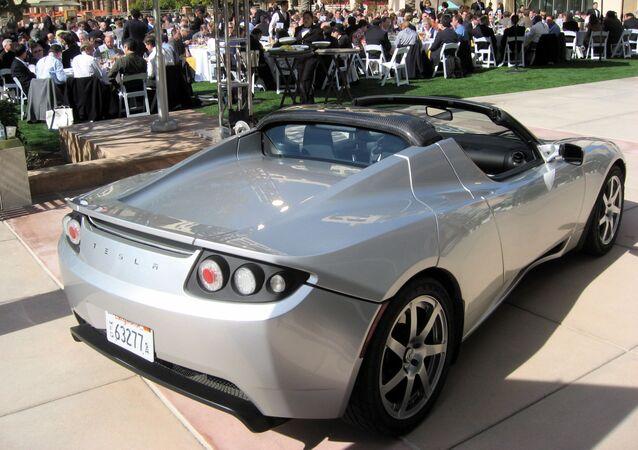 Auto Tesla Roadster