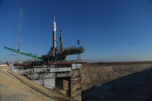 Umístění rakety s lodí Sojuz MS na kosmodromu Bajkonur - Sputnik Česká republika