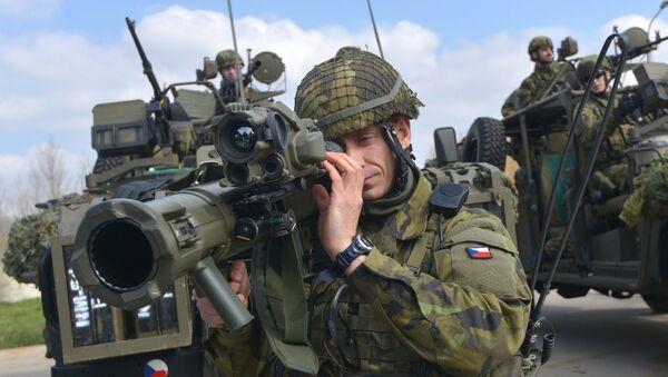 Vojáci české armády během cvičení NATO. Ilustrační foto - Sputnik Česká republika
