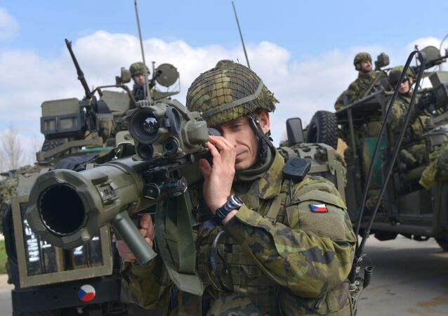 Vojáci české armády během cvičení NATO
