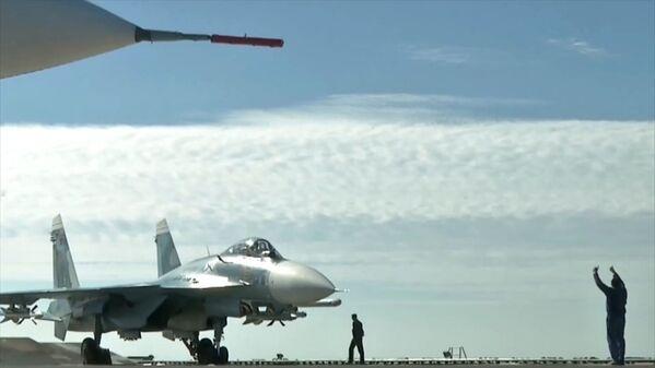 Admirál Kuzněcov a Admirál Grigorovič se poprvé zapojily do bojových akcí v Sýrii - Sputnik Česká republika