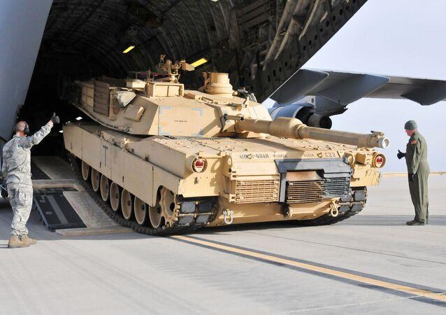 Americký tank M1A2 Abrams