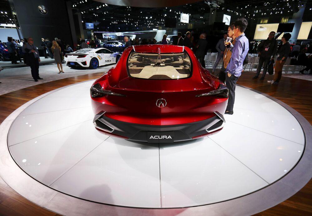 Acura Precision concept na mezinárodním autosalonu v Los Angeles