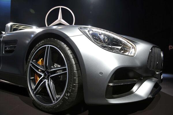 Mercedes AMG GT C Roadster na mezinárodním autosalonu v Los Angeles - Sputnik Česká republika