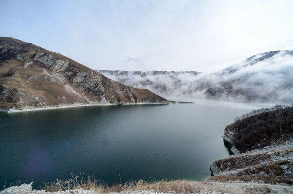 Vysokohorské jezero Kězěnoj-Am ve Věděnské oblasti Čečenské republiky - Sputnik Česká republika