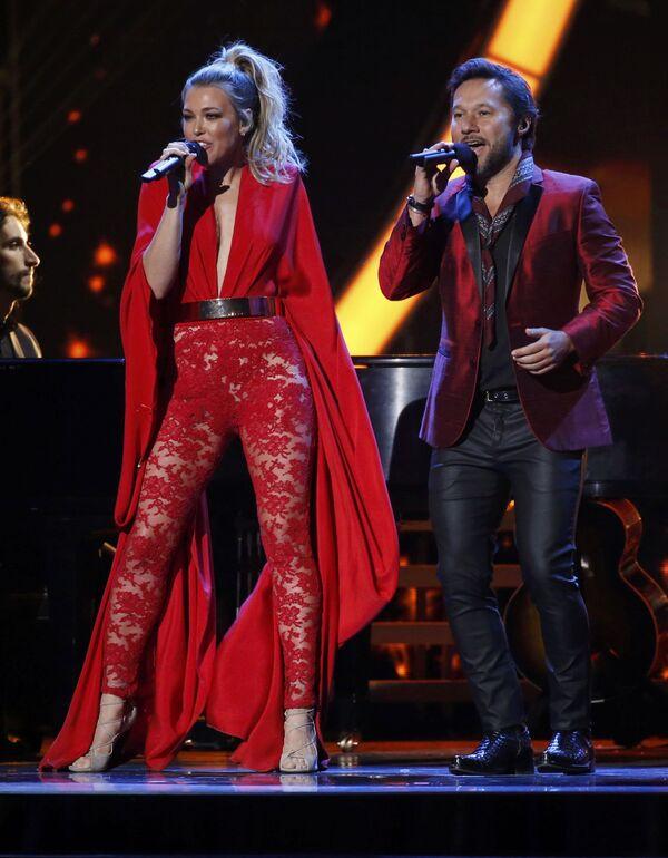 Zpěváci Rachel Platten a Diego Torres na každoročné ceremonii ceny  Latin Grammy Awards v Las Vegas - Sputnik Česká republika