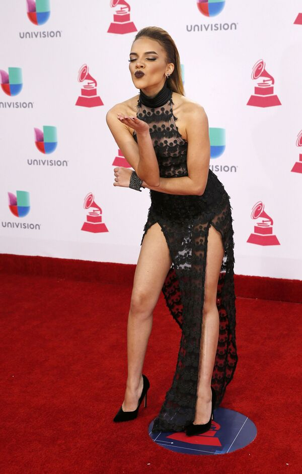 Zpěvačka Leslie Grace na každoročné ceremonii ceny  Latin Grammy Awards v Las Vegas - Sputnik Česká republika