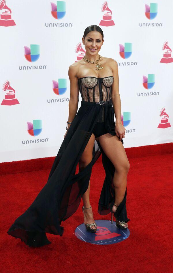 Zpěvačka Yeini na každoročné ceremonii ceny  Latin Grammy Awards v Las Vegas - Sputnik Česká republika