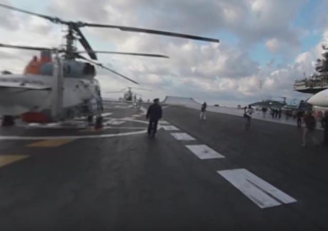 Objevilo se panoramatické video startů Su-33 z letadlové lodě Admirál Kuzněcov.VIDEO 360