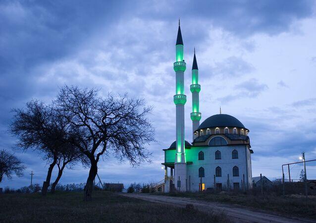 Mešita v obci Levadky u Simferopolu, Krym
