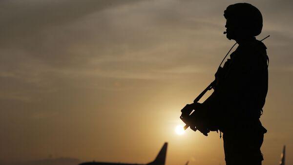 Перуанский солдат охраны на Международном саммите АТЭС в Лиме, Перу - Sputnik Česká republika