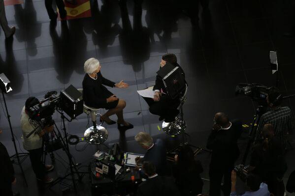 Generální ředitelka Mezinárodního měnového fondu Christine Lagardeová dává interview na mezinárodním summitu APEC v Peru - Sputnik Česká republika