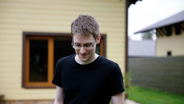 Bývalý příslušník CIA Edward Snowden - Sputnik Česká republika
