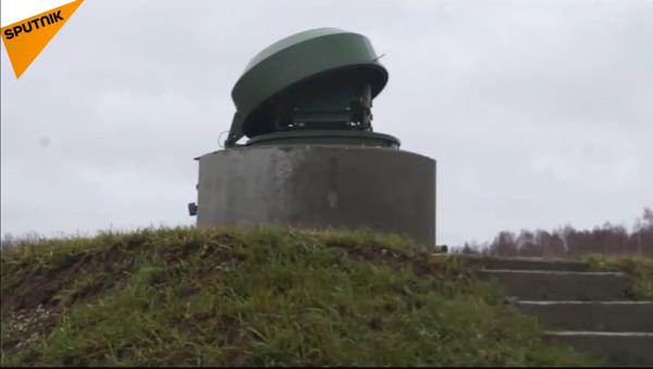 Roboti strážci podzemních odpalovacích zařízení ruské armády v akci - Sputnik Česká republika