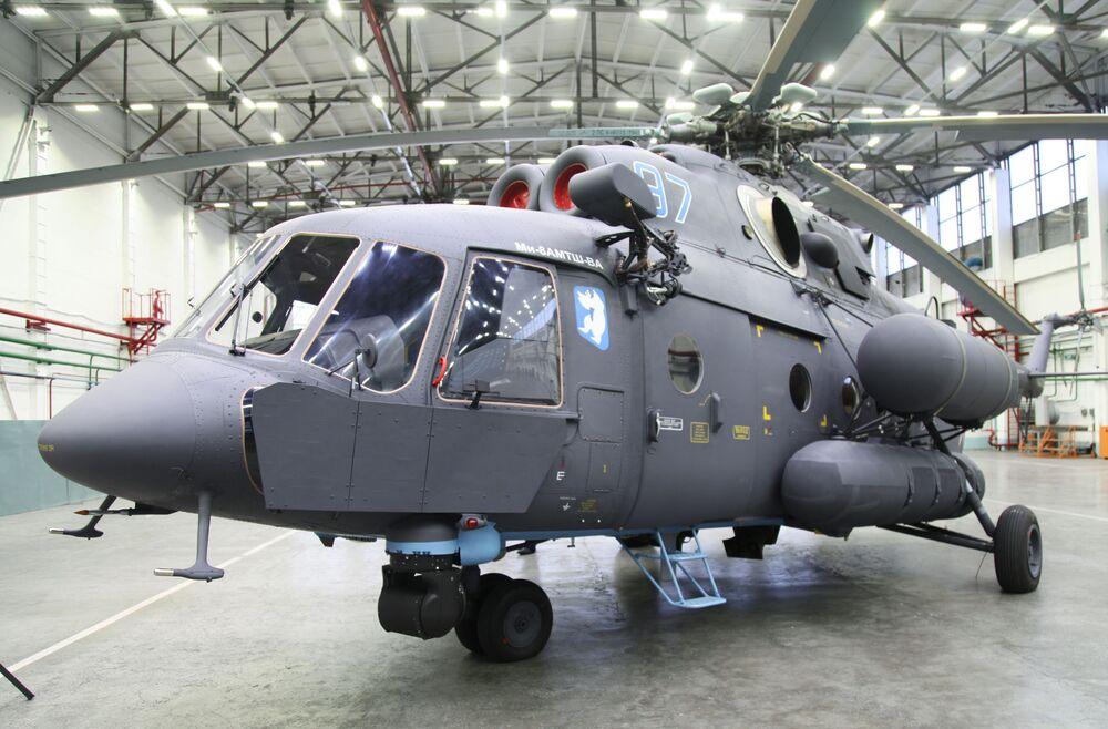 První arktický vrtulník Mi-8AMTSh-VA, který byl předán námořnímu letectvu ruského vojenského námořnictva