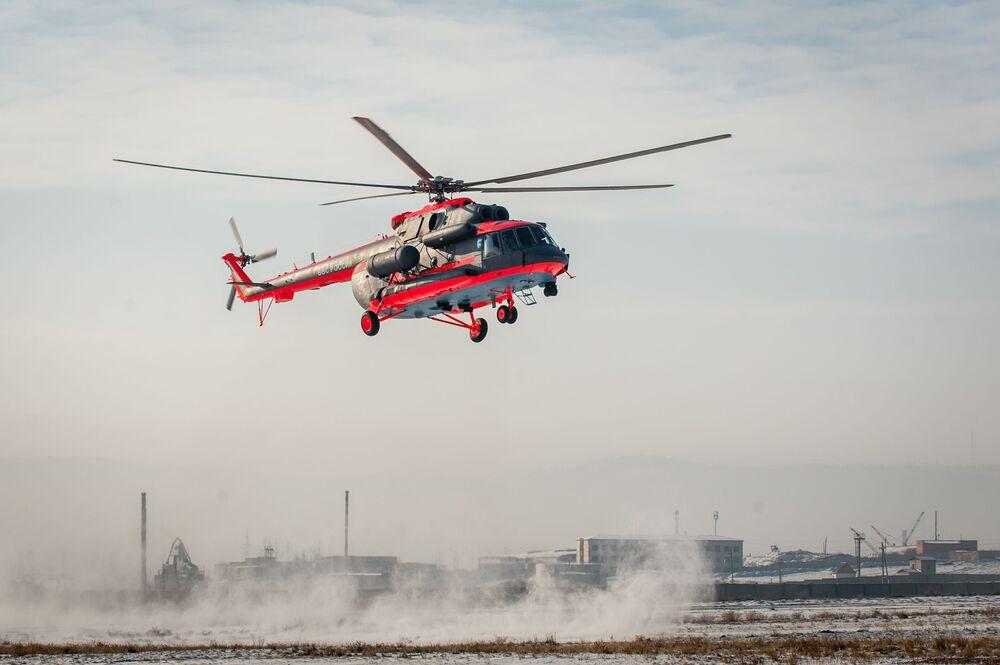 Arktický vrtulník Mi-8AMTSh-VA během leteckých cvičení v Ulan-Ude