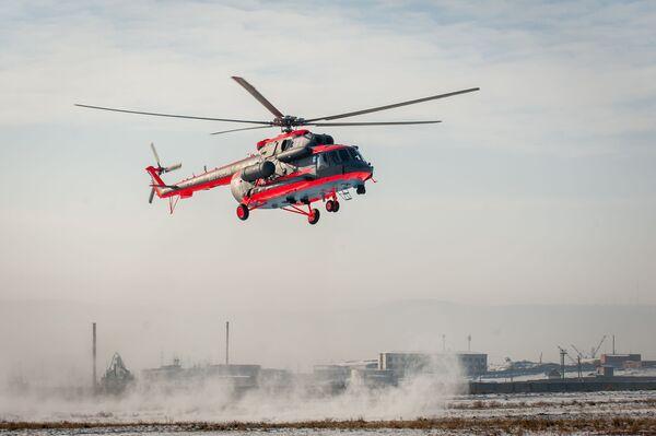 Arktický vrtulník Mi-8AMTSh-VA během leteckých cvičení v Ulan-Ude - Sputnik Česká republika