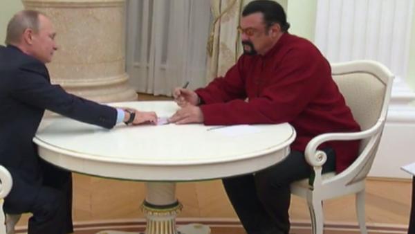 Vladimir Putin a Steven Seagal - Sputnik Česká republika