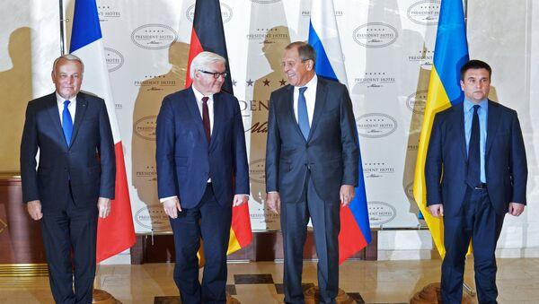 Setkání ministrů zahraničí normandské čtyřky - Jean-Marc Ayrault, Frank-Walter Steinmeier, Sergej Lavrov a Pavel Klimkin - Sputnik Česká republika