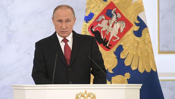 Президент РФ Владимир Путин выступает с ежегодным посланием Федеральному Собранию в Георгиевском зале Кремля - Sputnik Česká republika