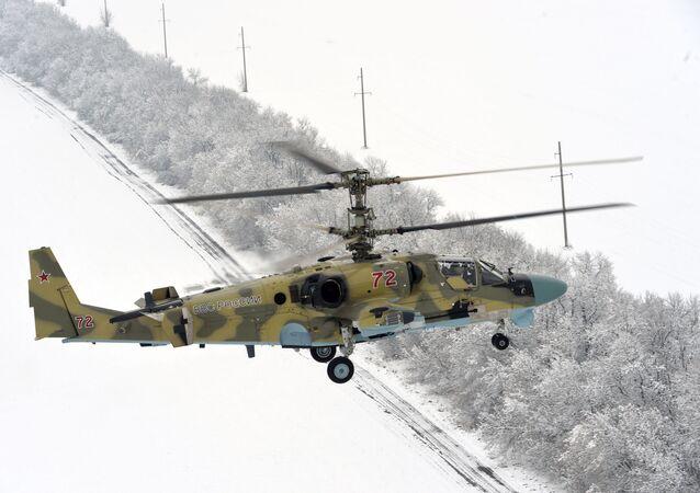 Nové bitevní vrtulníky Ka-52 vrtulníkového pluku Jižního vojenského okruhu